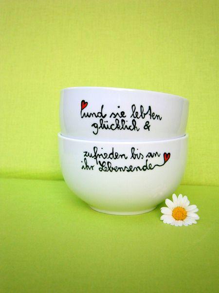 ♥ Hochzeitsgeschenk  ♥ 2 Becher mit Spruch von hochdietassen auf DaWanda.com