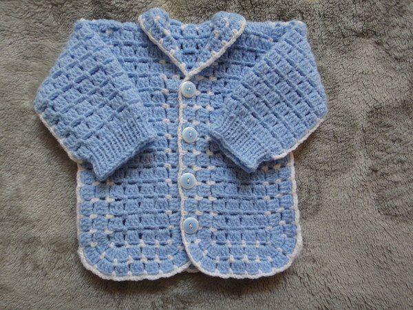 Голубая кофточка для новорожденного крючком