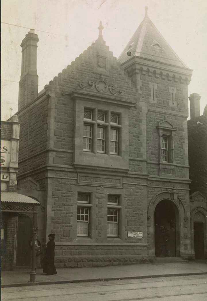 Coburg Post Office in Victoria in the early 1900s.