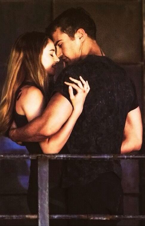 HAPPY FOURTRIS DAY EVERYONE!!! 4/6=FOURTRIS DAY!!! Today at 10:46 make a wish in honor of fourtris!!!