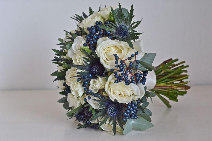 Distels, besjes en rozen  Google Afbeeldingen resultaat voor http://2.bp.blogspot.com/--hxbtMM33sY/TwLK9l9x7EI/AAAAAAAABQs/tELOV8_uPG8/s1600/navy-iviory-winter-bouquet-rose-thistle.jpg