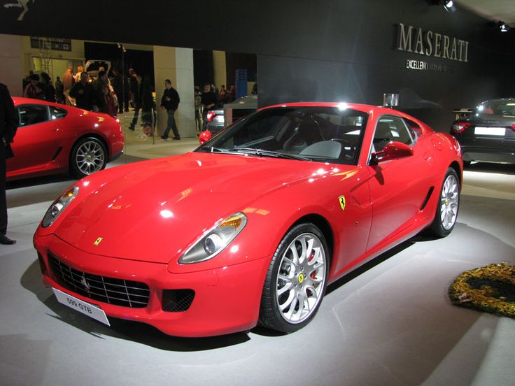 Yes, indeed, and all the while the Italian Ferrari 599 Gtb Fiorano V12 from December 2008 waiting for a refinisher and / or a new owner would have mercy on him.