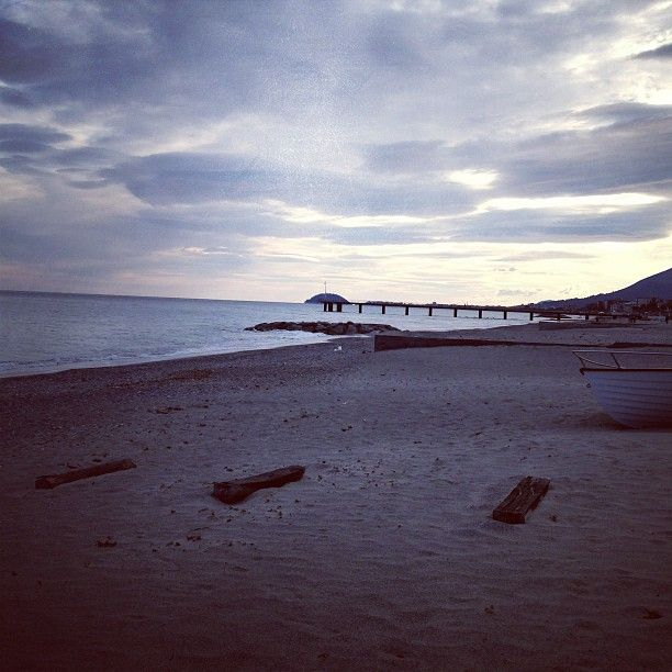 Spiaggia di #Ceriale (#Savona, #Liguria] [in tempo reale da #Instagram]