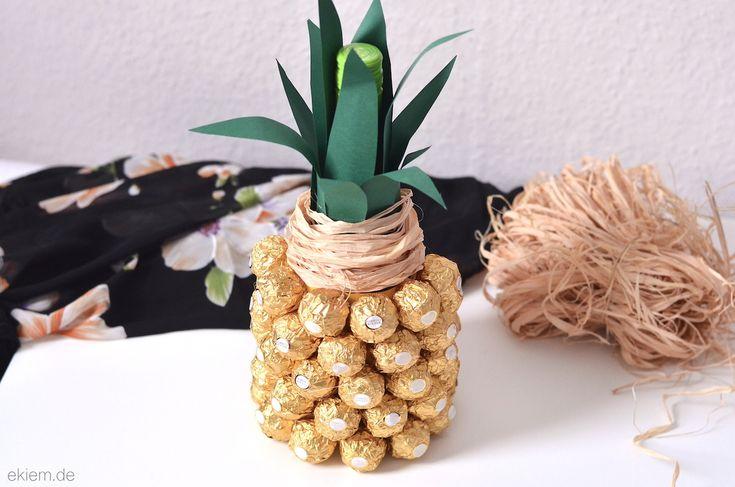 Wie zaubert man aus einer Flasche Sekt und Schokolade eine Ananas? Das Geheimnis wird auf ekiem.de gelüftet ;) - Geschenkideen zum Muttertag