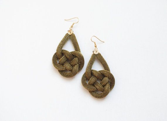 Black and gold earrings knot earrings double coin by elfinadesign