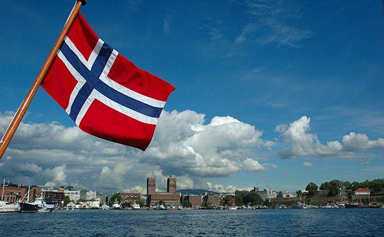 ☑ Норвегия включила в черный список Кобзона и двух заместителей Шойгу ⤵ ...Читать далее ☛ http://afinpresse.ru/policy/norvegiya-vklyuchila-v-chernyj-spisok-kobzona-i-dvux-zamestitelej-shojgu.html