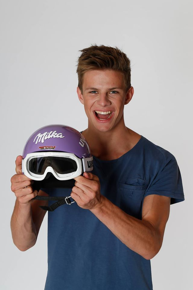 Andreas Wellinger mit seinem Milka Helm