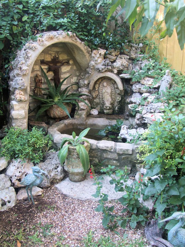 1000 images about mary grotto on pinterest gardens for Garden grotto designs