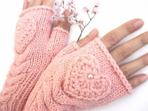 Sweetheart mitts...no pattern :-( Hope one day I'm good enough to be able to knit this off the top of my head