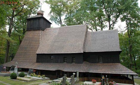 Vzácná památka lehla popelem: V Třinci shořel kostel z 16. století
