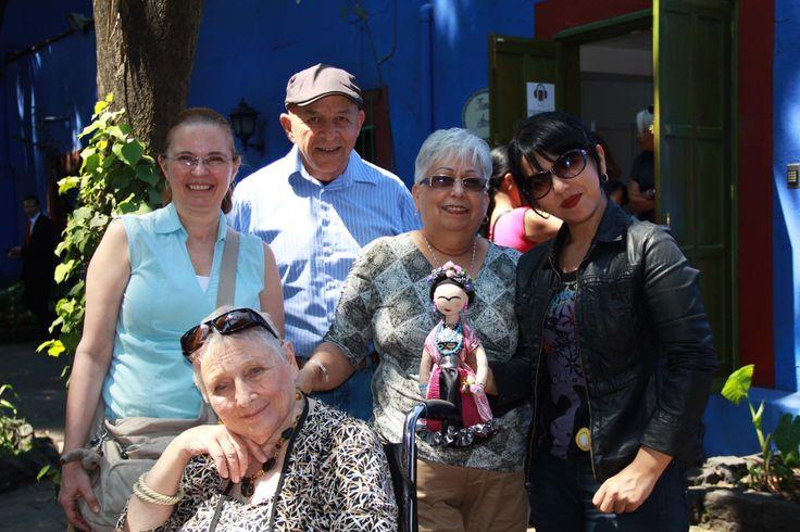 Familia mexicana radicada en Estados Unidos, Frida y Sonia Ramón.