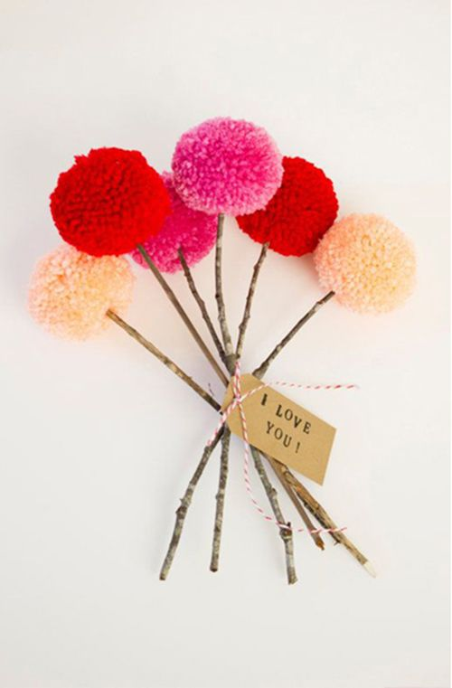 Gorgeous bunch of pom poms | 10 Pom Pom Crafts - Tinyme Blog