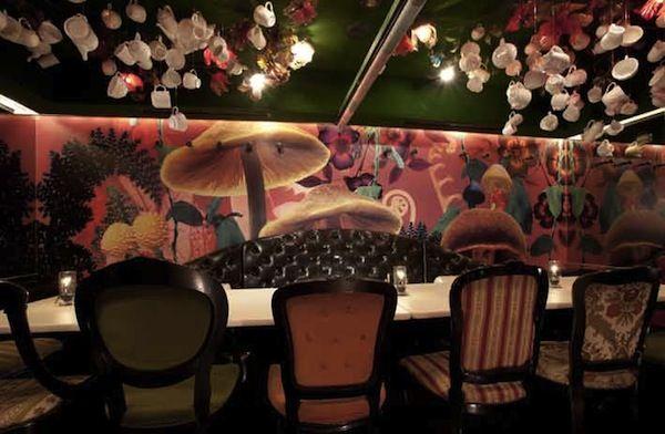 In Japan, 'Alice In Wonderland'-Themed Restaurants - DesignTAXI.com