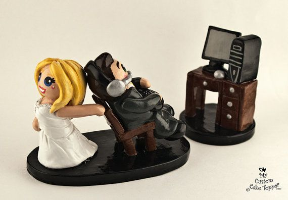Custom Made Computer Gaming Bride and Groom Wedding Cake Topper..Why didn't I see this when we got married