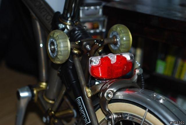 小徑與摺疊車 - 可以推薦brompton可以用的後車燈嗎? - 單車討論區 - Mobile01