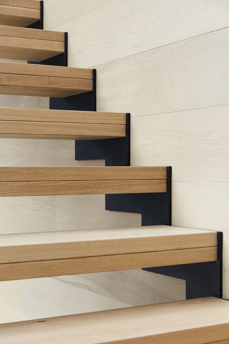 Best Timber Treads Staircase Steel Zig Zag Stringers 400 x 300