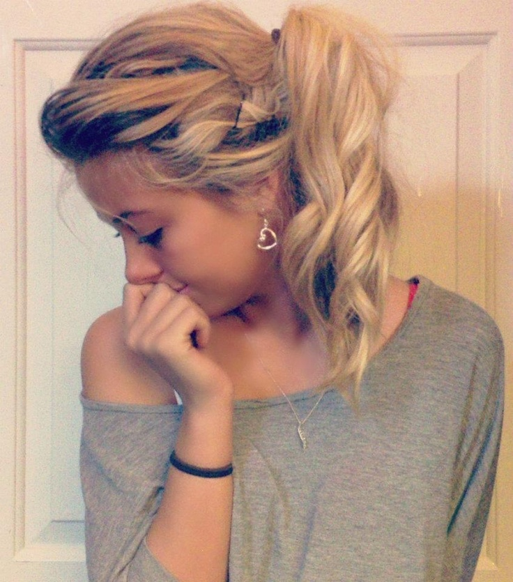 cute everyday hair kind of thing. if i could ever actually manage to do it.