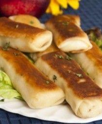 Αν και είναι κάπως χρονοβόρα συνταγή, η θεσπέσια γεύση της αφράτης κρέπας με τον κιμά, σε αποζημιώνει! blinchik αρμένικες συνταγές, Συνταγή για Κρέπες με Κιμά