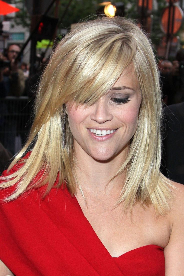 mid length hair styles with bangs reese witherspoon hair this length hair looks 3089 | 5872a5e9d95b18ae1dc178772b1da07a