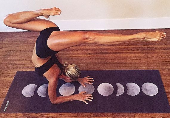 This moon phases yoga mat makes a peaceful addition to your daily yoga routine. Inspired by a beautiful night under the stars and the cycles of the moon