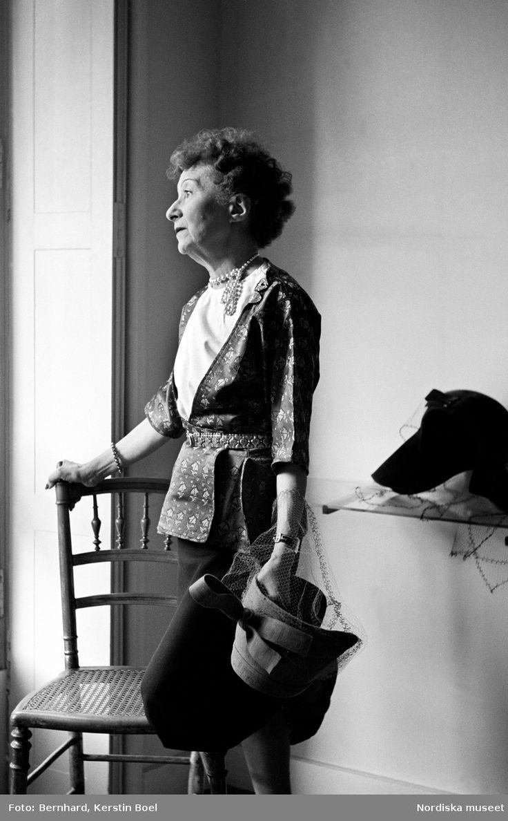 Porträtt av modisten Suzanne Talbot, Paris, 1947. Foto: Kerstin Boel Bernhard