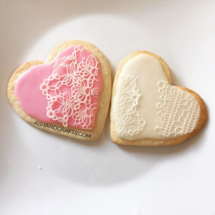 How to: Lace cookies using Sugar Veil