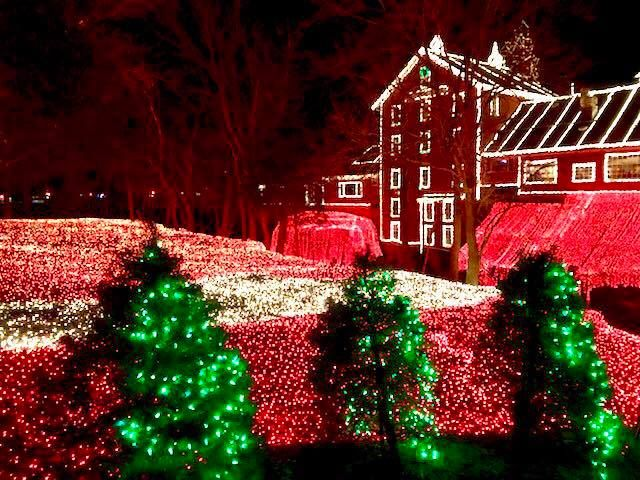11 Christmas Light Displays In Maine That Are Pure Magic Holiday Lights Display Christmas Light Displays Best Christmas Light Displays