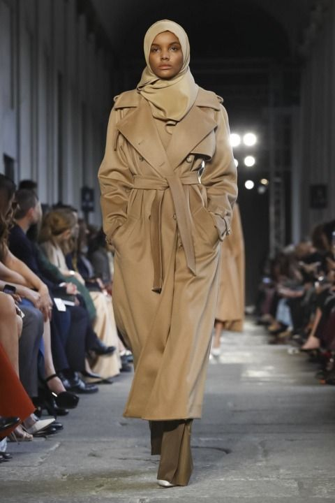 Lou Stoppard reports on the Max Mara show - MaxMara @ Milan Womenswear A/W 17 - SHOWstudio - The Home of Fashion Film and Live Fashion Broadcasting