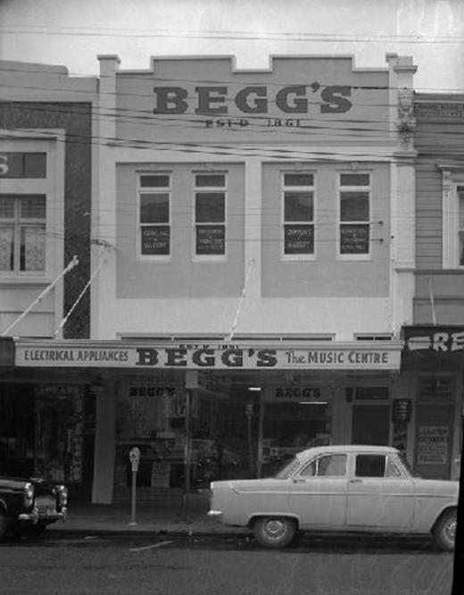 Begg's & Co, Exterior - Puke Ariki