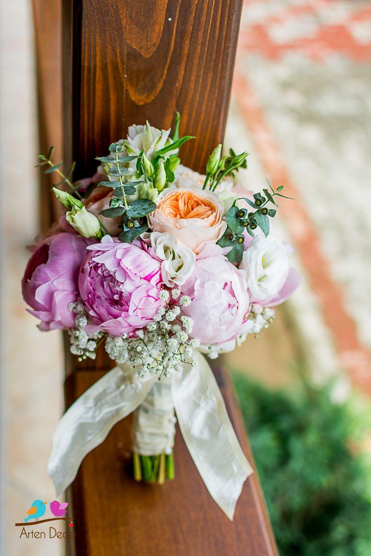 Atelier floral, buchet mireasa, buchet nasa, aranjamente florale, flori nuntă, flori nunta, nuntă tematică, decoratiuni de nunta, decor sală nuntă, decorațiuni florale, aranjare sală nuntă, esküvői terem dekoráció, virág összeállitások, virag diszites