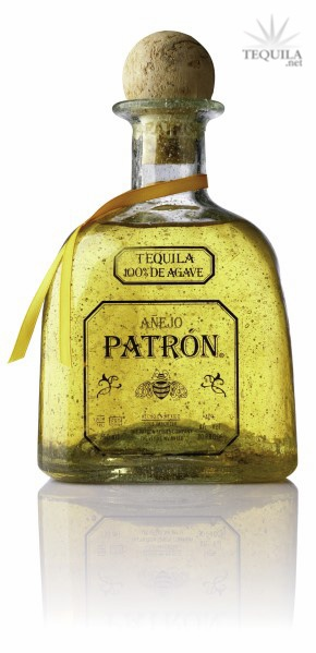 Le ofrezco algo?..un Patron?....Tequila Anejo....