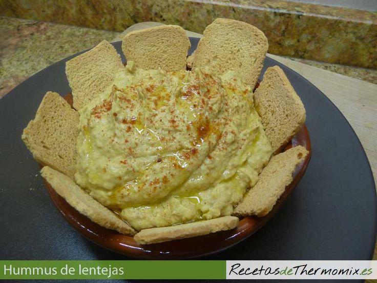 El hummus de lentejas es una variante del tradicional hummus de garbanzos, originario de la cocina arabe. Es un plato rápido de preparar, en tan solo un minuto, tenemos listo para servir un plato de hummus de lentejas con thermomix.