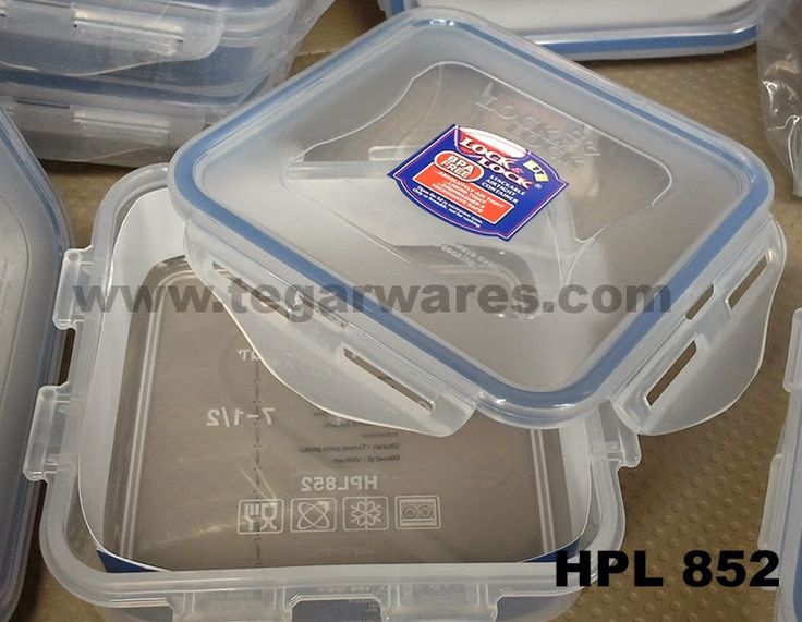 Lock & Lock HPL 852: Size 134 x 134 x 45ml capacity of 430ml, each side of the box suitable for storing bread for your picnic lunch.