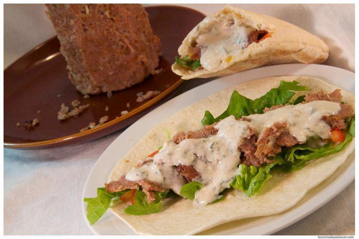 Ingredientes:  - 700 gr. de carne picada (ternera, pollo o cordero).   - 70 gr. de cebolla.  - 2 ajos.  - 10 gr. de sal.  - 40 gr. de pan...
