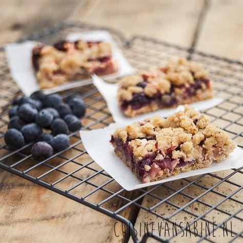 Bosbessen en appel crumble plaattaart | Blueberry and apple crumble pie