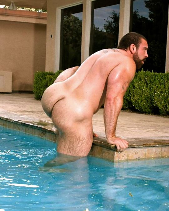 Gay muscle pool porn