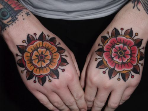 Just like my wariness to palm tattoos, I don't know if I'll ever get my hands tattooed, but I would totally get geometric flowers on them if I did.