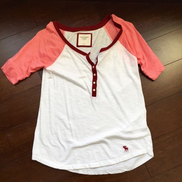 A&F henley tee shirt Cute henley tee from A&F. Worn once. Abercrombie & Fitch Tops Tees - Short Sleeve