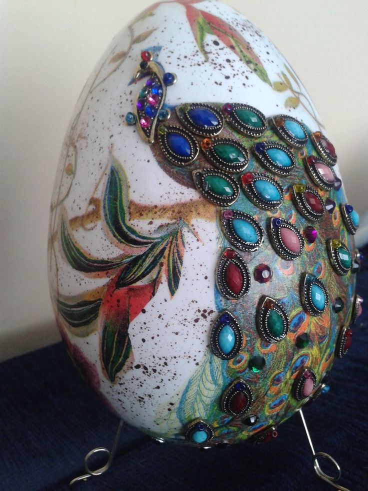 Egg decoupage