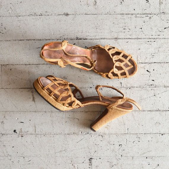 Gaynor linen platforms / vintage 40s shoes / lovely vintage sandals 1940s