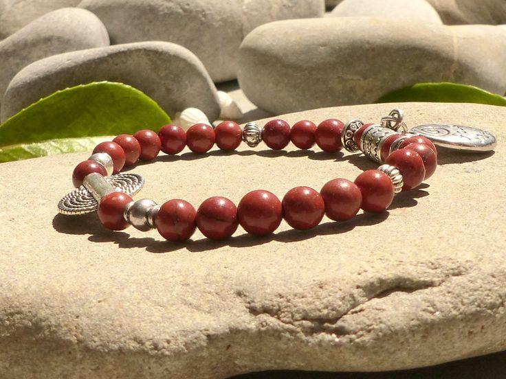 Bracelet en jaspe rouge, bracelet médaillon et pierres naturelles, bijou zen fait main : Bracelet par lapassiondisabelle