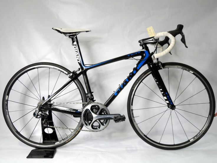 Used Giant Tcr Advanced SL 0 - 2013  Excellent Condition Medium size - suit 160cm - 180cm rider  Giant Advanced SL carbon frame with full frame warranty  Giant SLR carbon wheels  Shimano Dura Ace Di2 11 speed group set.