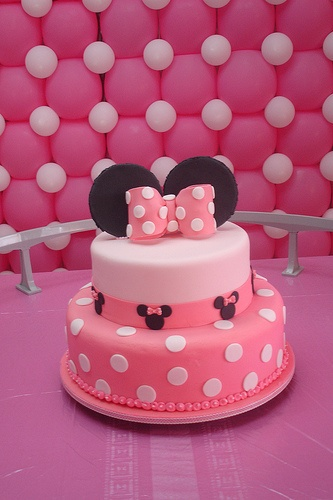 Minnie / Great background idea also