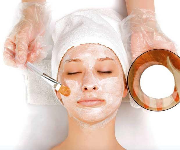 Ev Yapımı Sağlıklı Cilt MaskeleriParlak bir cilt görünümü sağlamak için bakım çok önemlidir. Normal cilt tipine sahip olan kadınlar kuru veya yağlı ciltlere göre daha şanslıdırlar.    Havuç, yumurta, portakal, limon ve bal gibi doğal malzemeleri kullanarak cildiniz için faydalı maskeler yapabilirsiniz.    Yazının Devamı: Ev Yapımı Sağlıklı Cilt Maskeleri | Bitkiblog.com  Follow us: @bitkiblog on Twitter | Bitkiblog on Facebook