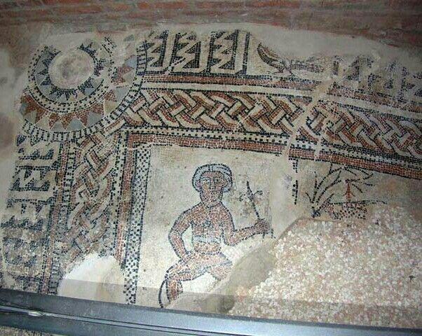 Mosaici nella chiesa di San Teodoro a Pavia, forse parte della precedente chiesa di Sant'Agnese