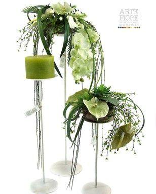 Composizione floreale fiori artificiali in tessuto: Trittico coordinato tre alzate con candela