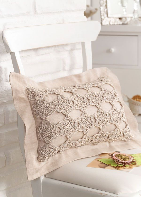 Romantic cushion cover