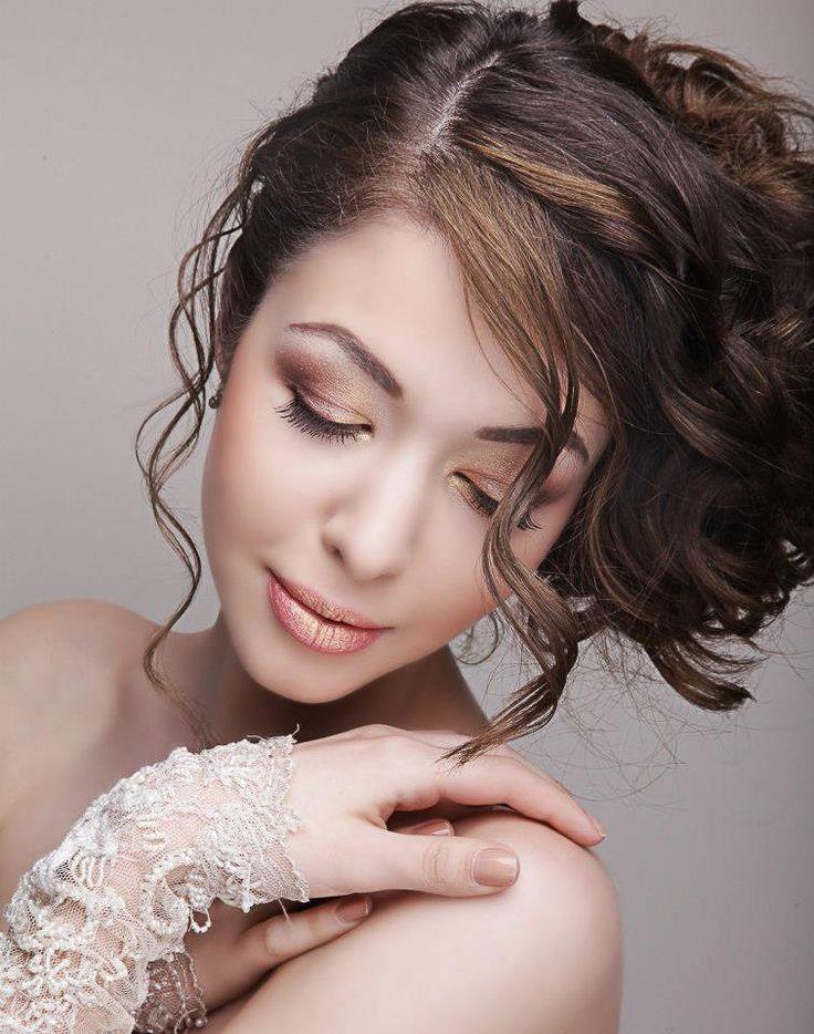 Make-up bride, shooting bride, natural gold makeup look. Perfect make-up for a perfect wedding day !!! #bride #makeupbride #paulinabuldumea #weddingday #glamourebride