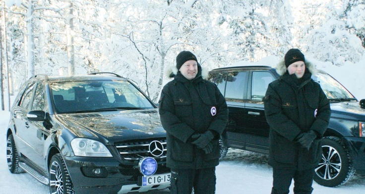 our chauffeurs waiting for the guests #LuxuryTravel #PrivateServices #LuxuryAction #Finland #Lapland #MercedesBenz #RangeRover