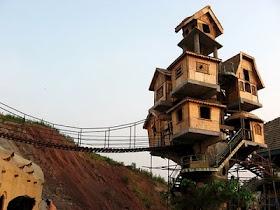Izonews: Amazon Tree Houses, Beautiful